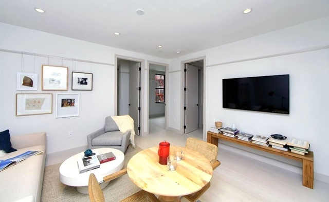3 Bedrooms, East Village Rental in NYC for $5,019 - Photo 1