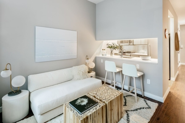 2 Bedrooms, Chelsea Rental in NYC for $6,445 - Photo 2
