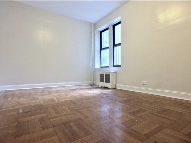 2 Bedrooms, Civic Center Rental in NYC for $2,795 - Photo 2