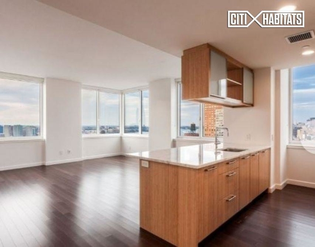 3 Bedrooms, Battery Park City Rental in NYC for $15,462 - Photo 1