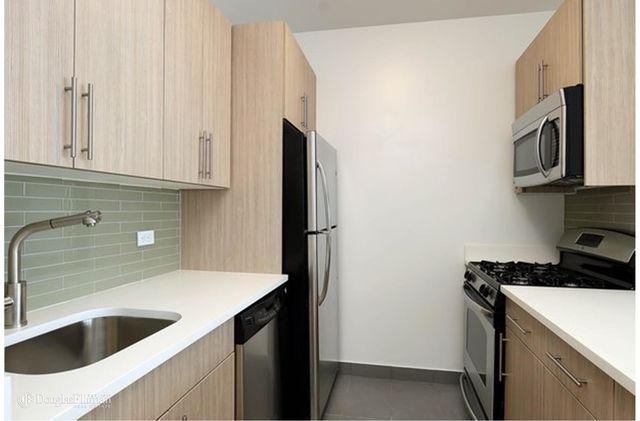 Studio, Financial District Rental in NYC for $3,950 - Photo 2