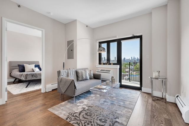 2 Bedrooms, Astoria Rental in NYC for $3,391 - Photo 2