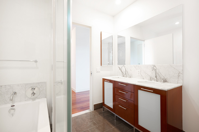 1 Bedroom, DUMBO Rental in NYC for $4,278 - Photo 1