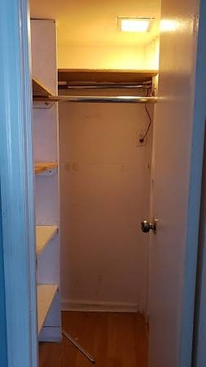 2 Bedrooms, Gravesend Rental in NYC for $1,900 - Photo 2