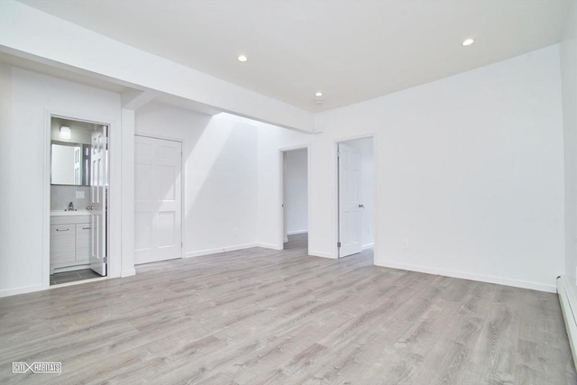 4 Bedrooms, Dyker Heights Rental in NYC for $2,875 - Photo 2