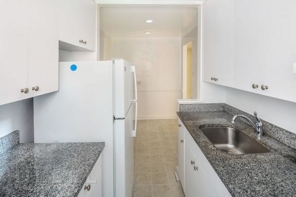 2 Bedrooms, Rego Park Rental in NYC for $2,325 - Photo 2