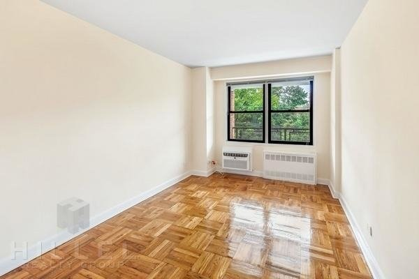 1 Bedroom, Rego Park Rental in NYC for $2,200 - Photo 2