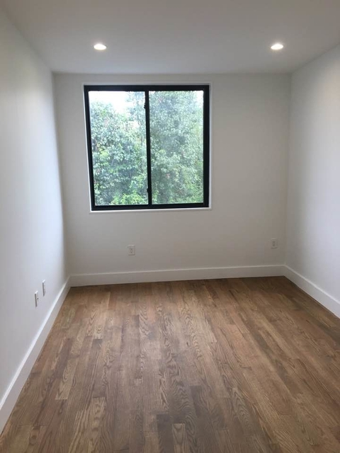 Room, Williamsburg Rental in NYC for $1,900 - Photo 2