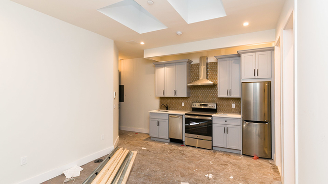 2 Bedrooms, Greenpoint Rental in NYC for $4,299 - Photo 1