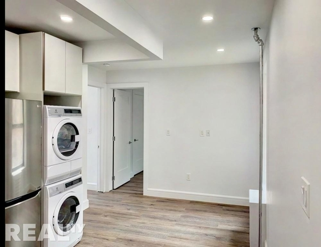 3 Bedrooms, South Slope Rental in NYC for $3,850 - Photo 2