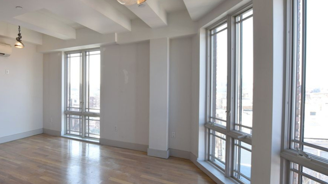3 Bedrooms, Greenpoint Rental in NYC for $3,799 - Photo 2