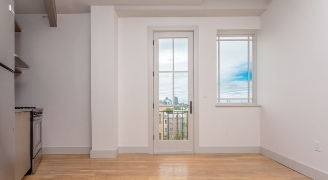 3 Bedrooms, Greenpoint Rental in NYC for $3,800 - Photo 1