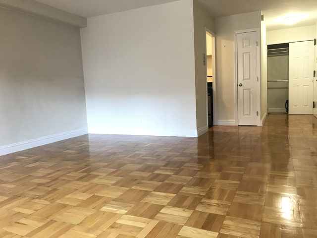 Studio, Hell's Kitchen Rental in NYC for $2,451 - Photo 2