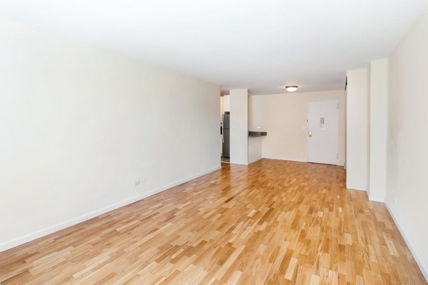 1 Bedroom, LeFrak City Rental in NYC for $1,872 - Photo 2