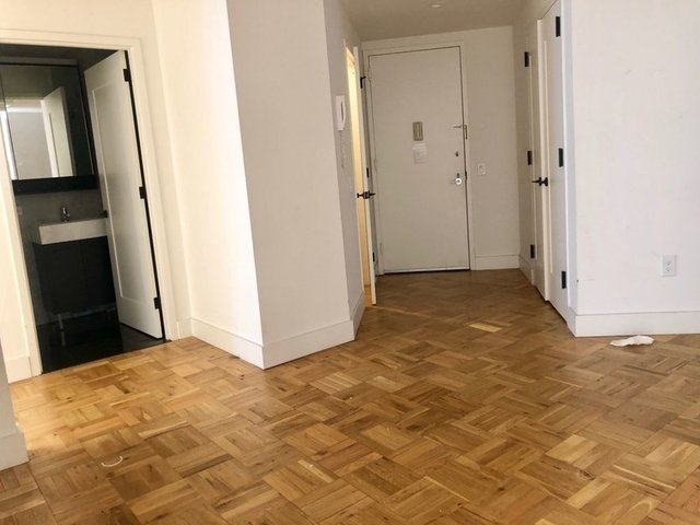 4 Bedrooms, Financial District Rental in NYC for $6,505 - Photo 2