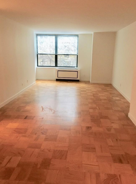2 Bedrooms, Upper West Side Rental in NYC for $7,920 - Photo 2