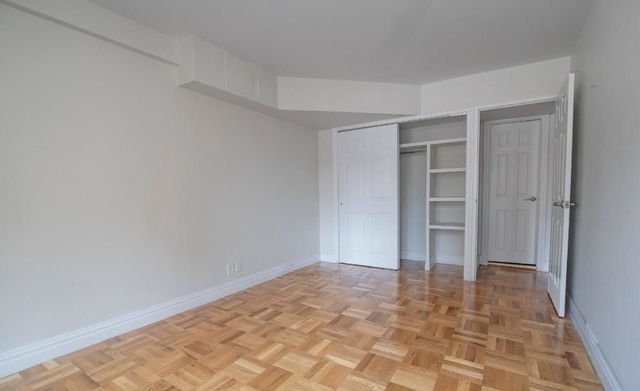 2 Bedrooms, Turtle Bay Rental in NYC for $3,700 - Photo 2