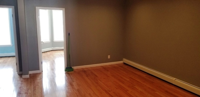 3 Bedrooms, Sunset Park Rental in NYC for $2,399 - Photo 2