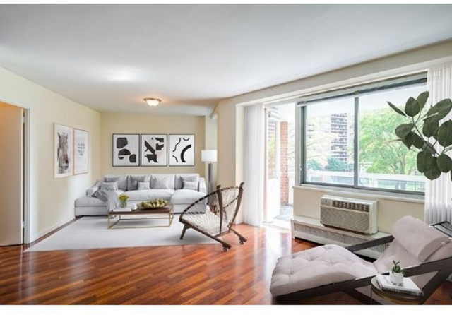 4 Bedrooms, Forest Hills Rental in NYC for $4,260 - Photo 1