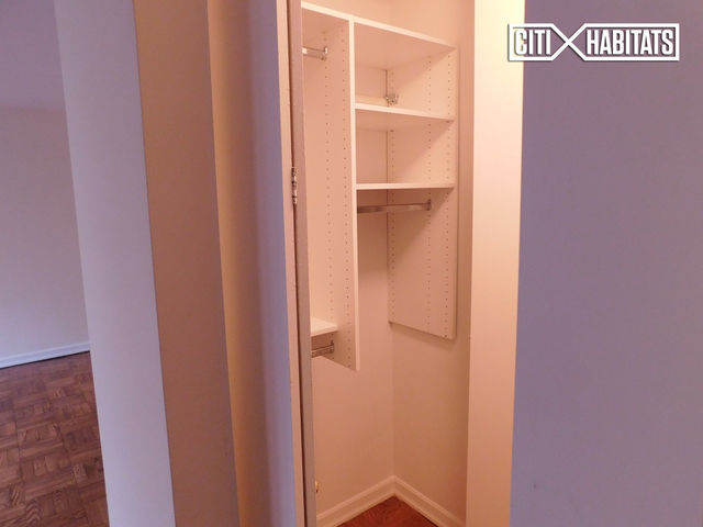 Studio, Carnegie Hill Rental in NYC for $2,725 - Photo 2