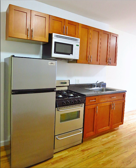 2 Bedrooms, Yorkville Rental in NYC for $2,915 - Photo 1