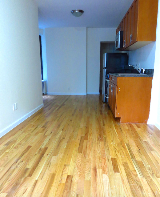 2 Bedrooms, Yorkville Rental in NYC for $2,915 - Photo 2