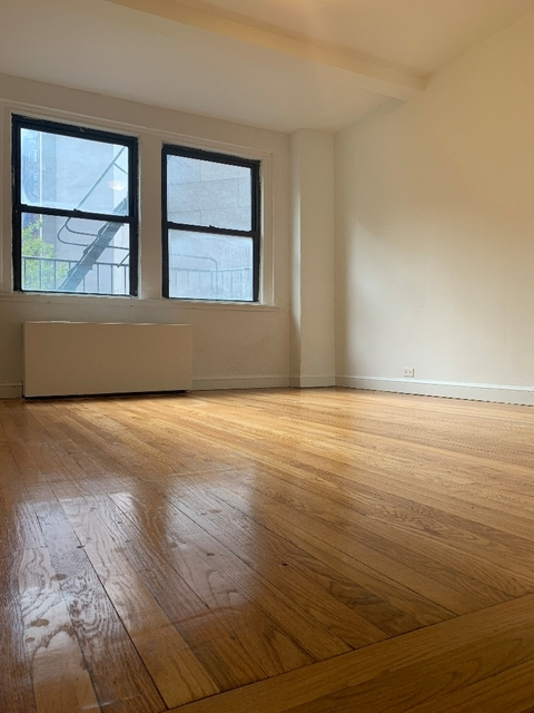 2 Bedrooms, Tudor City Rental in NYC for $4,200 - Photo 1