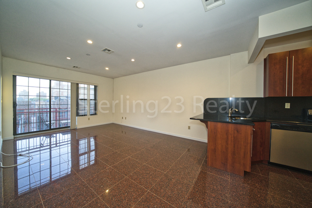 1 Bedroom, Steinway Rental in NYC for $2,600 - Photo 2