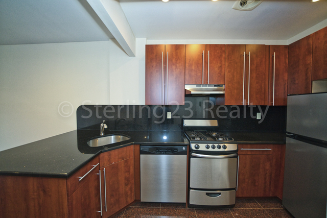 1 Bedroom, Steinway Rental in NYC for $2,600 - Photo 1