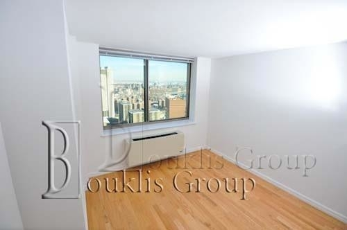 1 Bedroom, Financial District Rental in NYC for $3,485 - Photo 2