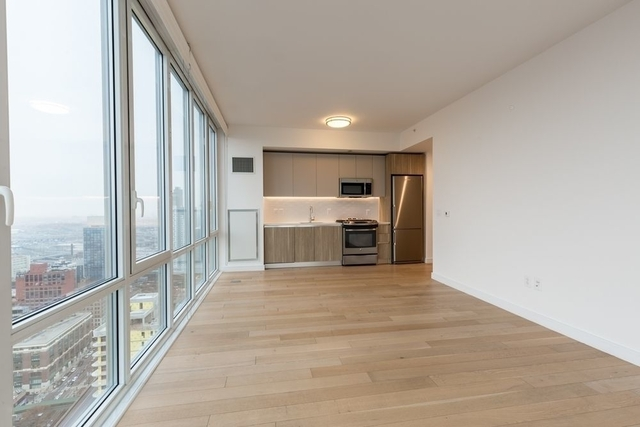 2 Bedrooms, Long Island City Rental in NYC for $4,931 - Photo 2