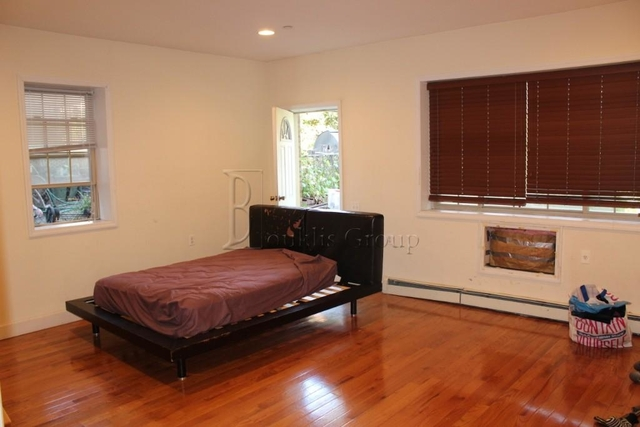 4 Bedrooms, Woodside Rental in NYC for $2,900 - Photo 1