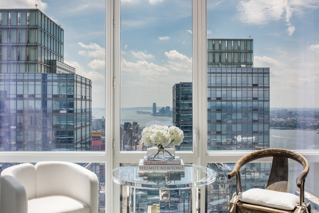 2 Bedrooms, Hell's Kitchen Rental in NYC for $8,030 - Photo 1