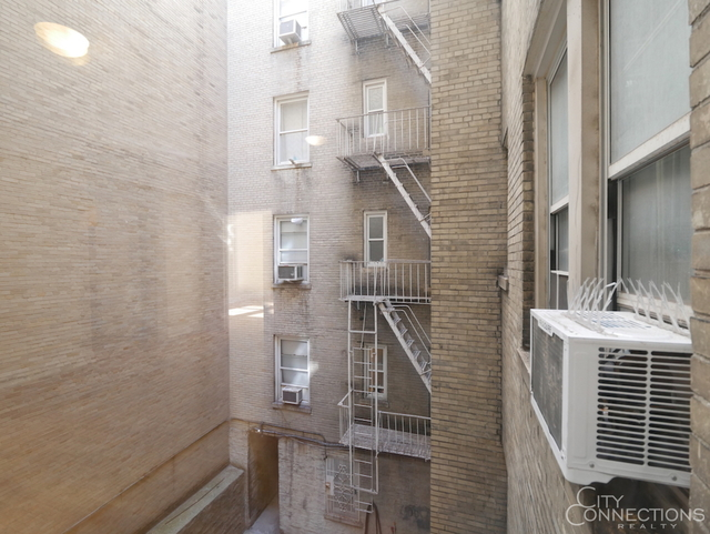 2 Bedrooms, West Village Rental in NYC for $6,100 - Photo 2