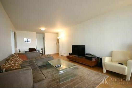 3 Bedrooms, Upper East Side Rental in NYC for $6,791 - Photo 2