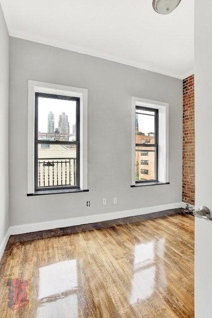 2 Bedrooms, Hell's Kitchen Rental in NYC for $3,895 - Photo 2