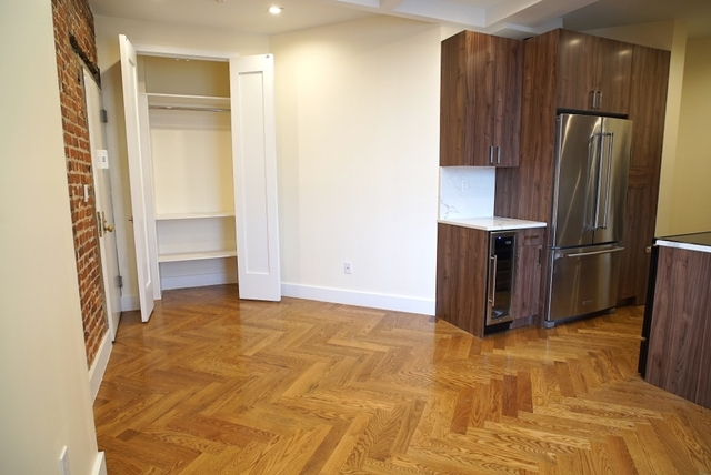 4 Bedrooms, Crown Heights Rental in NYC for $4,950 - Photo 2