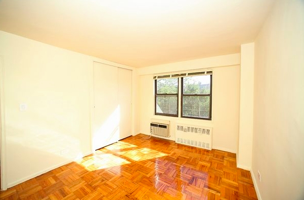 1 Bedroom, Rego Park Rental in NYC for $1,855 - Photo 2