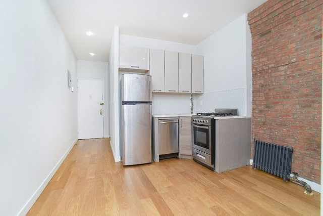 2 Bedrooms, Two Bridges Rental in NYC for $2,900 - Photo 2