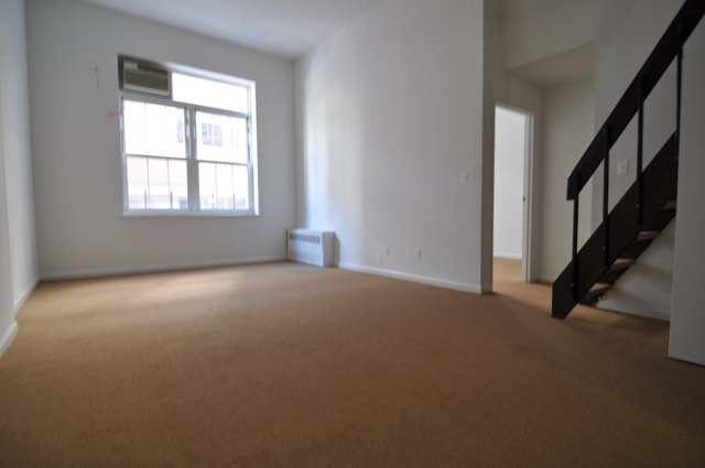 Room, Financial District Rental in NYC for $3,500 - Photo 1