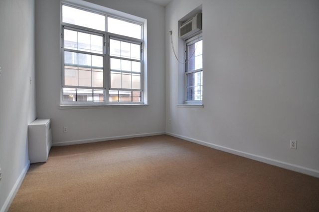 Room, Financial District Rental in NYC for $3,500 - Photo 2