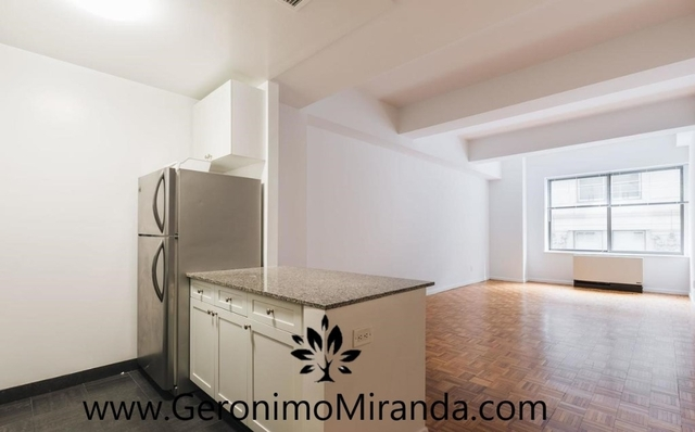 Studio, Financial District Rental in NYC for $2,795 - Photo 2
