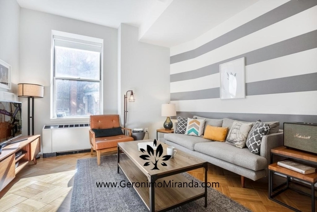 2 Bedrooms, Financial District Rental in NYC for $5,770 - Photo 2