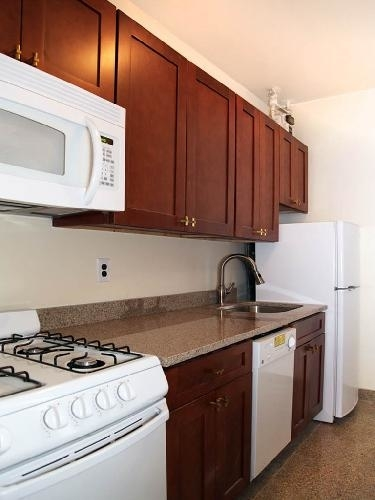 1 Bedroom, Midtown East Rental in NYC for $2,800 - Photo 2