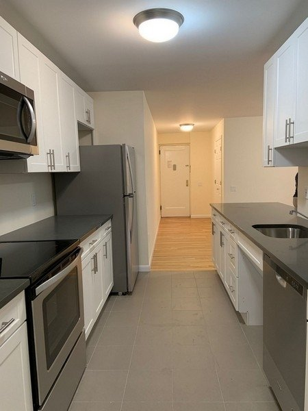 2 Bedrooms, Forest Hills Rental in NYC for $2,499 - Photo 1