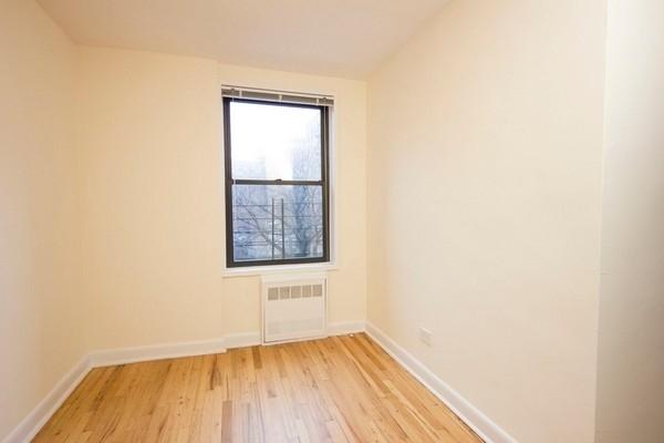 3 Bedrooms, Astoria Rental in NYC for $3,290 - Photo 2
