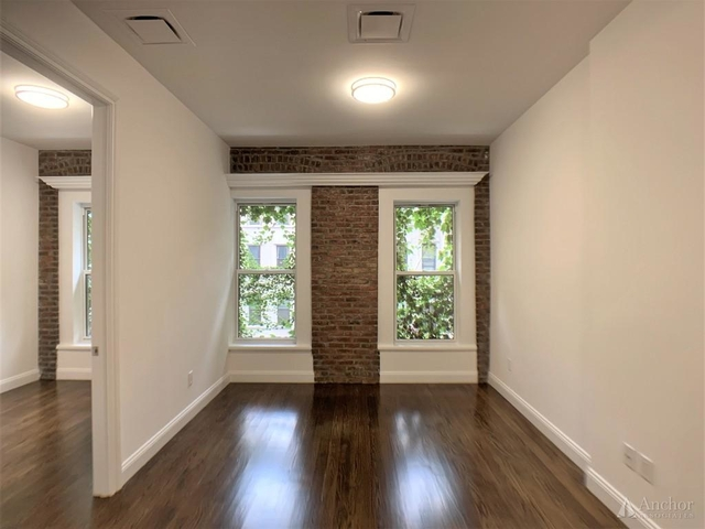 2 Bedrooms, Lenox Hill Rental in NYC for $5,200 - Photo 1
