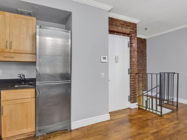 4 Bedrooms, East Village Rental in NYC for $6,455 - Photo 1