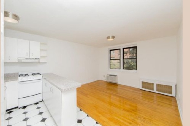 1 Bedroom, Sutton Place Rental in NYC for $2,842 - Photo 2