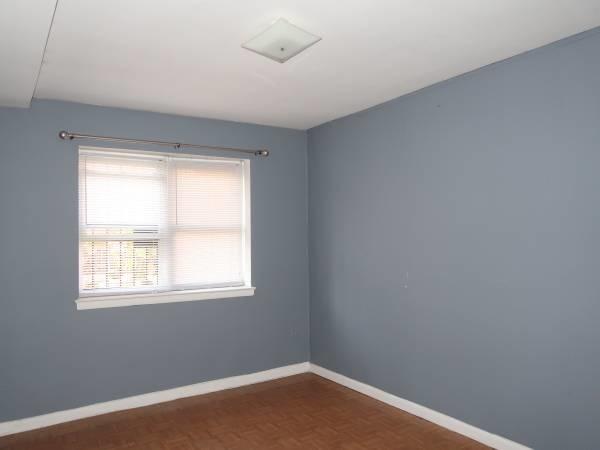 2 Bedrooms, Ridgewood Rental in NYC for $1,900 - Photo 2
